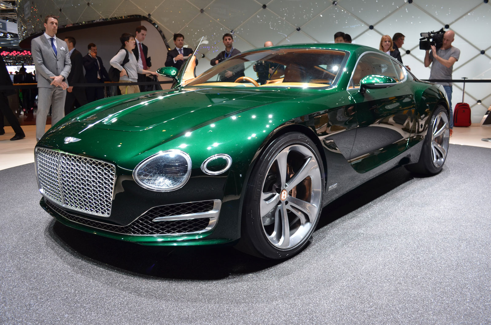 bentley to produce exp 10 speed 6 concept. Black Bedroom Furniture Sets. Home Design Ideas