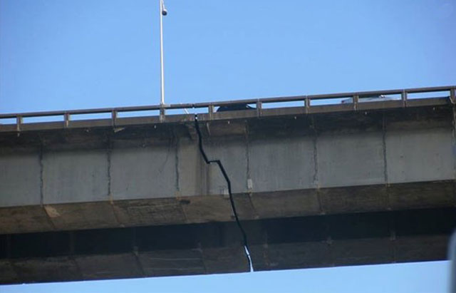 Pic Showing Crack In Champlain Bridge Is A Hoax